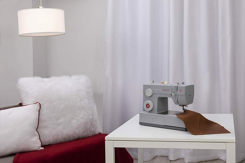 Singer Mechanical Heavy Duty Sewing Machine
